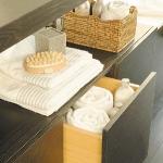 towels-storage-ideas-in-large-bathroom3-1.jpg