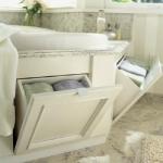 towels-storage-ideas-in-large-bathroom3-2.jpg