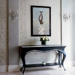 traditional-decor-for-foyer-art1.jpg