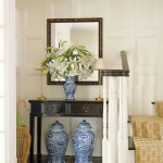 traditional-decor-for-foyer-composition4.jpg