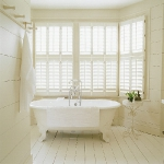 traditional-freestanding-bathtub-wall2-5.jpg