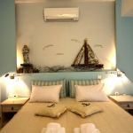 turquoise-and-sand-in-bedroom2.jpg