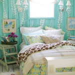 turquoise-wall-in-bedroom1.jpg