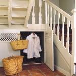under-stairs4-3.jpg