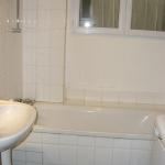 update-parisian-studio-in-indian-style-bathroom-before.jpg