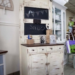 vintage-furniture-from-repurposed-doors5-11.jpg