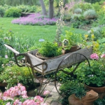 vintage-garden-pots1-10.jpg