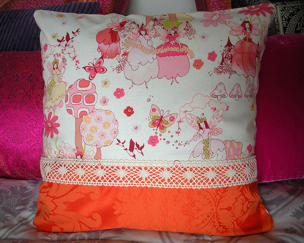 http://www.design-remont.info/wp-content/uploads/gallery/vintage-pillow-by-andreia4/vintage-pillow-by-andreia4-7.jpg