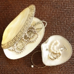 vintage-style-jewelry-holders-potterybarn4.jpg