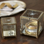 vintage-style-jewelry-holders-potterybarn6.jpg