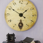 vintage-wall-clock-in-interior-details2-2.jpg