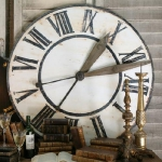 vintage-wall-clock-in-interior10.jpg