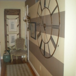 vintage-wall-clock-in-hallway3.jpg