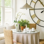 vintage-wall-clock-in-diningroom3.jpg