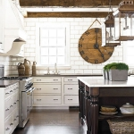 vintage-wall-clock-in-kitchen1.jpg