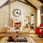 vintage-wall-clock-in-livingroom1.jpg