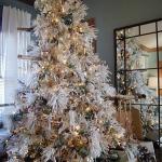 white-christmas-tree-beautiful-decoration1-8