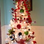 white-christmas-tree-beautiful-decoration7-7