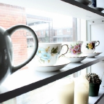 window-shelves-ideas-for-dinnerware2-3.jpg