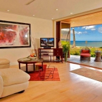 wonderfull-stories-from-hawaii-livingroom4.jpg