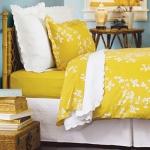yellow-accents-in-bedroom3.jpg