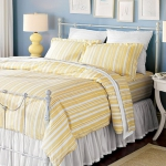 yellow-accents-in-bedroom5.jpg