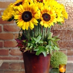 yellow-flowers-centerpiece-ideas-sunflower1.jpg