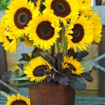 yellow-flowers-centerpiece-ideas-sunflower3.jpg