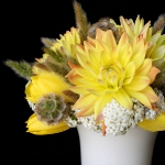 yellow-and-white-flowers-centerpiece-ideas5.jpg