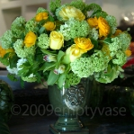 yellow-and-green-flowers-centerpiece-ideas1.jpg